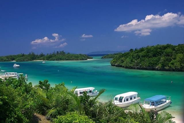 Những bãi biển xinh đẹp ít ai biết ở Nhật Bản